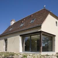 Renforcement des structures, restauration des façades et enduits, création d'ouv