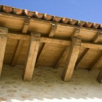 Réfection de charpente, couverture en tuiles de récupération
