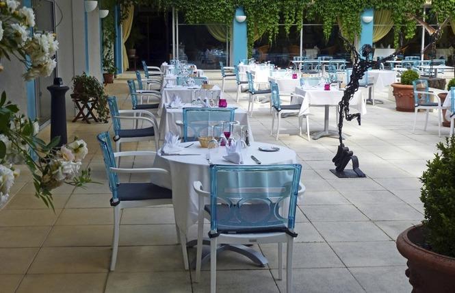 Restaurant Cajarc Blue Hôtel 12 - Cajarc