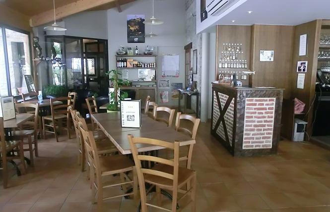 Hôtel Restaurant La Truite Dorée 13 - Saint Géry-Vers