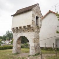 Rénovation d'un pigeonnier-porche